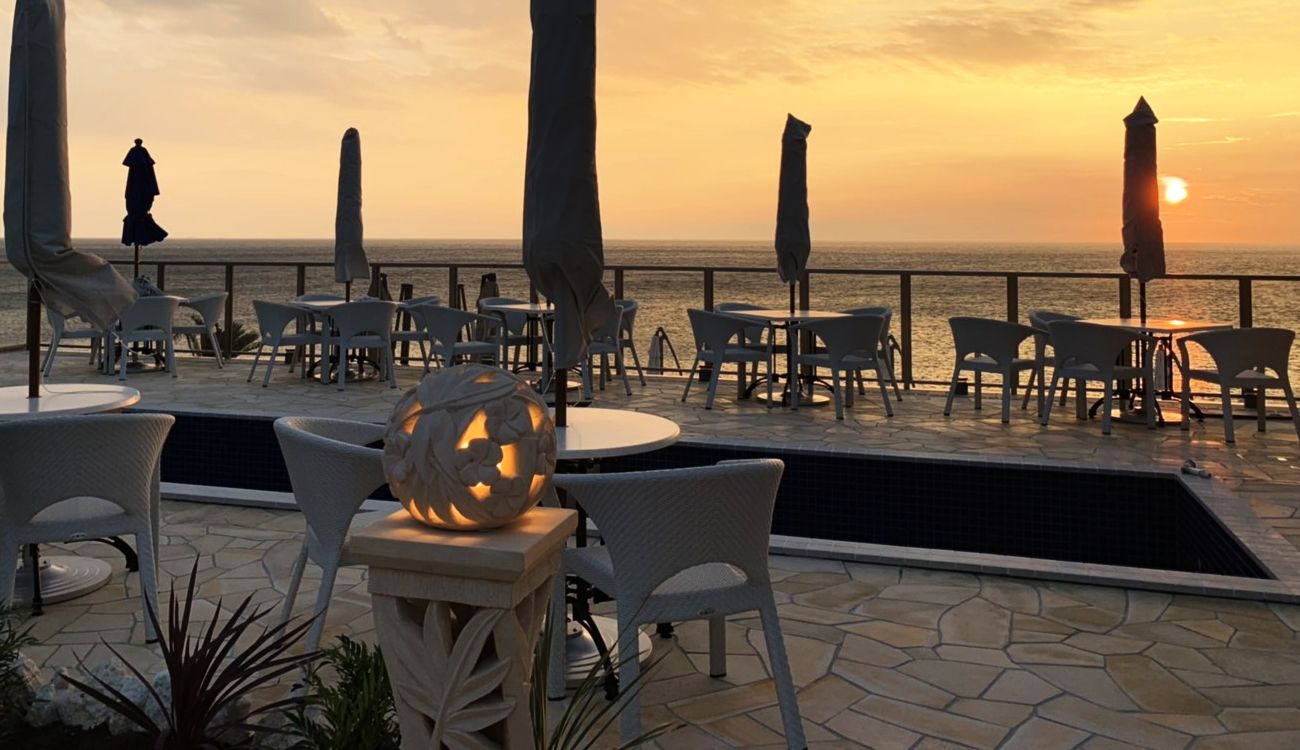 在擁有優美日落的尾崎海岸 幸福班戟 淡路島度假村 開幕 全部海景座席