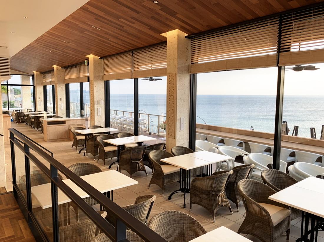 『幸福班戟』 Awajishima Terrace|全部海景座席。亦提供感受渡假風的露台座席及情侶座席,和小狗同享的小狗區域。